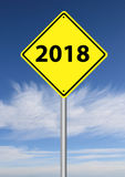 de verkeersteken van 2018 met hemel Stock Foto's