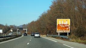 De verkeersteken wijzen op de manier aan Chateau DE Foix, Fracne royalty-vrije stock afbeeldingen
