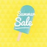 De verkoop van de zomer Vector driehoekige achtergrond met roomijs Royalty-vrije Stock Fotografie