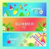 De verkoop van de zomer Vectorreeks horizontale banners met de zomerelementen Achtergronden voor affiches, e-mail en bulletinontw Stock Foto