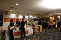 De verkoopcabine van Larabar op de Conferentie van het Dagboek van de Yoga Royalty-vrije Stock Foto