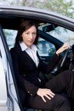 De verkoopvrouw van de auto Stock Afbeelding