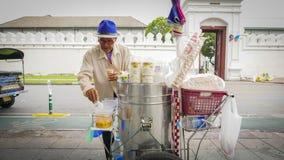 De verkopers van Thailand verkopen lokaal roomijs op de zijweg in Bangkok, Thailand Royalty-vrije Stock Foto