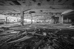 De verlaten Industriële Bouw Gesloopt binnenland royalty-vrije stock afbeelding