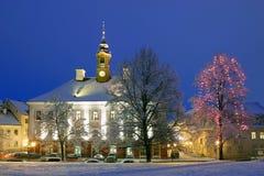 De verlichte stad-zaal van Tartu, Royalty-vrije Stock Foto's