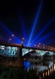 De verlichting van de brug Stock Afbeeldingen