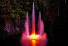 De verlichting van de fontein Stock Afbeeldingen