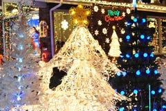 De verlichting van de kerstboom stock fotografie