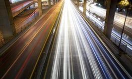 De verlichting van de straat bij nacht Royalty-vrije Stock Afbeeldingen