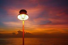 De verlichting van warme lamp of geel VERBORG lamp en verlichting van zonsondergang royalty-vrije stock foto's