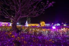 De Verlichtingsfestival 2017 van Thailand over Ratchadapisek Soi 8, Bangkok, Thailand op December21,2017: Licht op Kerstboom en l Royalty-vrije Stock Afbeelding