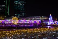 De Verlichtingsfestival 2017 van Thailand over Ratchadapisek Soi 8, Bangkok, Thailand op December21,2017: Licht op Kerstboom en l Royalty-vrije Stock Afbeeldingen