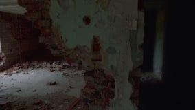 De vernietigde en verlaten bouw, standpunt stock footage