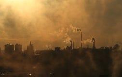 De verontreinigende atmosfeer van de rook Royalty-vrije Stock Afbeeldingen