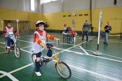 De verordeningen van het studieverkeer in het kinderen` s dorp Stock Foto's
