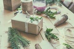 De verpakkende pakketten van ecokerstmis stock fotografie