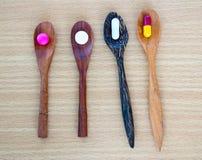 De verschillende capsule van Tablettenpillen Stock Afbeeldingen