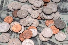 De verschillende muntstukken van de V S dollars, muntstukken en bankbiljetten van de Verenigde Staten Stock Foto
