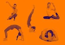 De verschillende yoga, stelt op een witte achtergrond, isoleert de instructeur van de praktijkyoga, die een les onderwijzen vector illustratie