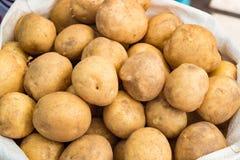 De verse aardappels is in de zak Royalty-vrije Stock Foto