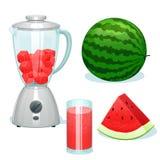 De verse die watermeloen op stukken in een glaskom wordt gesneden van de mixer Stock Afbeeldingen