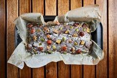De verse eigengemaakte cake van de chocoladebrownie met noten Stock Fotografie
