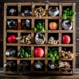 De verse ingrediënten van het appelbier Stock Afbeeldingen