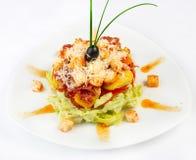 De verse salade met groenten, chiken en bacon Stock Afbeelding