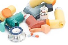 De verstuivers worden algemeen gebruikt voor de behandeling van blaasbindweefselvermeerdering, astma, COPD en andere ademhalingsz royalty-vrije stock fotografie