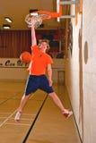 De Verticaal van de Speler van het basketbal Stock Afbeeldingen