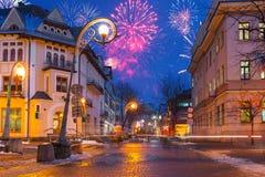 De vertoning van het nieuwjaarvuurwerk in Zakopane Royalty-vrije Stock Afbeeldingen