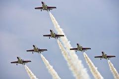 De vertoning van het Team van kunstvliegen bij airshow Stock Foto