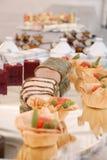 De vertoning van het voedsel Stock Afbeeldingen