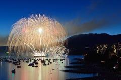 De vertoning van het vuurwerk bij Engelse Baai Royalty-vrije Stock Foto's