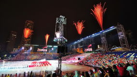 De vertoning van het vuurwerk tijdens NDP 2010 Stock Afbeeldingen