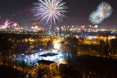 De vertoning van het vuurwerk van de Vooravond van Nieuwjaren Stock Foto