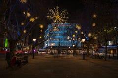 De Vertoning van Kerstmislichten op Hertog van York, Londen het UK stock foto