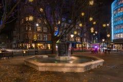 De Vertoning van Kerstmislichten op Hertog van York, Londen het UK royalty-vrije stock foto's