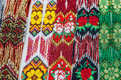 De vertoning van parelhalsbanden, Oekraïense sierdecoratie, de Oekraïne Stock Afbeelding