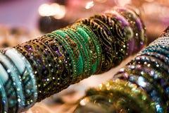 De Vertoning van parelsarmbanden Royalty-vrije Stock Fotografie