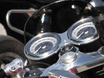 De vertoningsinstrumenten van het motorfietsstreepje met snelheidsmeter en tachometer Stock Afbeelding