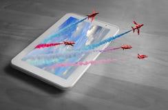 De vertoningsteam van tablet 3d rood pijlen Stock Afbeeldingen