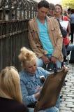 De verven van de kunstenaar op Montmartre Royalty-vrije Stock Afbeeldingen