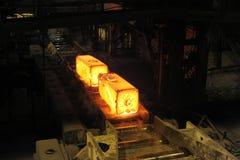 De verwarmde staalvarkens stock afbeelding