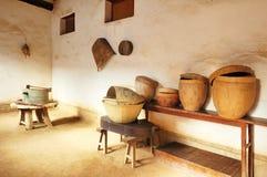 De verwerkingshuis van het voedsel in het oude landbouwbedrijf Royalty-vrije Stock Foto's