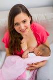 De verzorging van de baby royalty-vrije stock fotografie