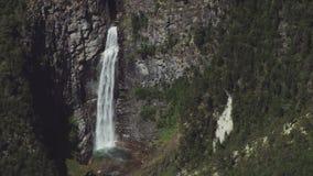 De Vesleulfossen-Waterval in Noorwegen stock footage