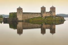De vesting van het Savolinnakasteel bij dageraad Het oriëntatiepunt van Finland Fins haar stock afbeelding