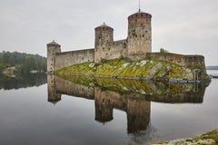 De vesting van het Savonlinnakasteel bij dageraad Het oriëntatiepunt van Finland Fins hij royalty-vrije stock fotografie