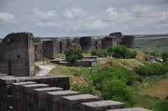 De vestingsmuur van de Byzantijnse vesting in de stad van Diyarbakir stock foto
